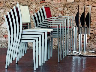 Стільці, крісла і лавки Quadra