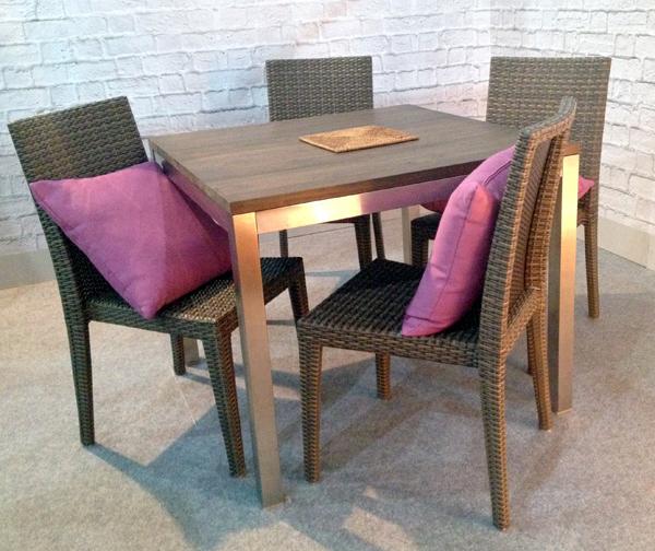 Квадратний стіл із тіка Erino (100800)