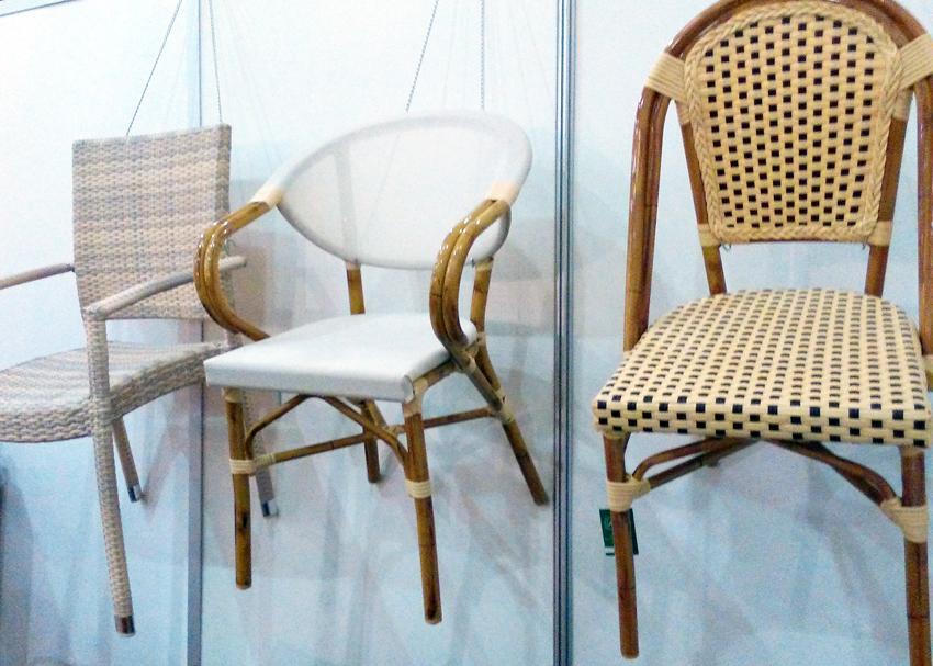 Вуличні стільці для кафе