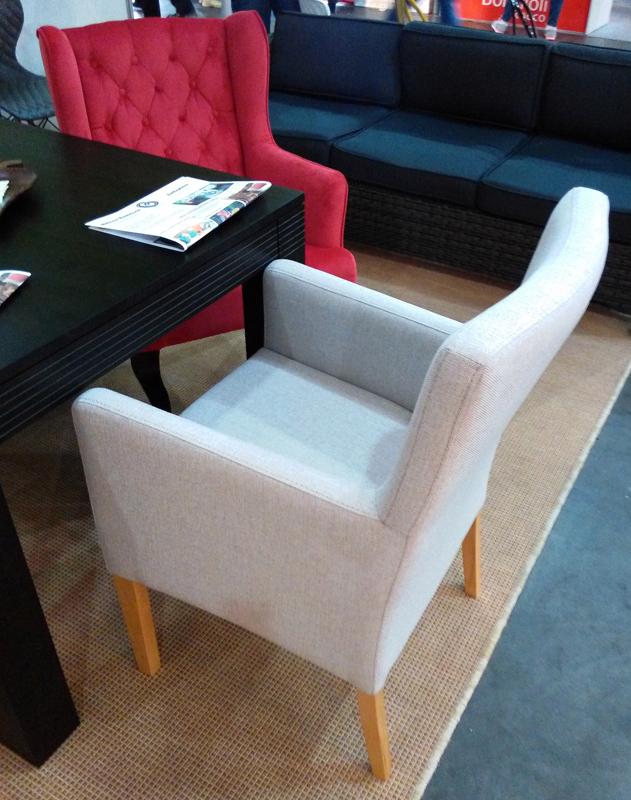 М'які крісла для кафе і ресторану