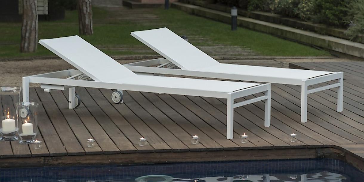Купити пляжні шезлонги для відпочинку біля басейну Olimpia від іспанського виробника Balliu