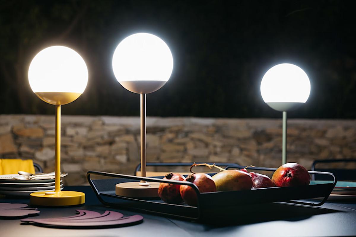 Оригінальні вуличні LED світильники Fermob Mooon! на FoReCh-2018