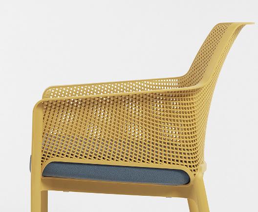 Крісло Net Relax з подушкою для літнього майданчику ресторану